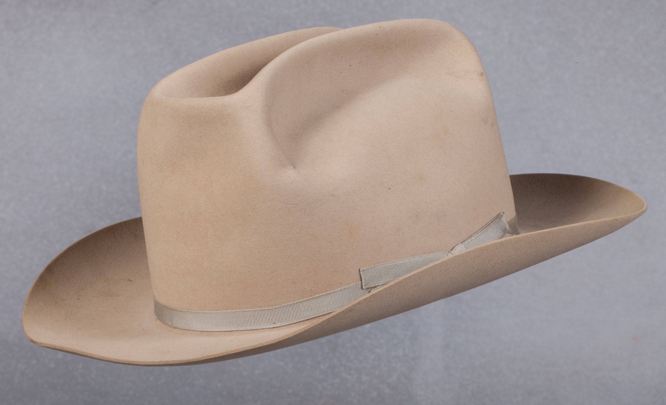 8b8ad9fd93a4f Chill Wills  Personal Stetson Hat Cattleman s style cowboy hat. Inside  marks