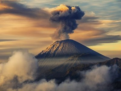 Mount Semeru Indonesia Hd Wallpaper Indonesia Gunung Berapi Horor