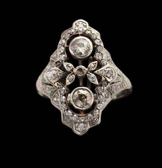 Diamond dinner ring, art deco, Unusual Art Deco