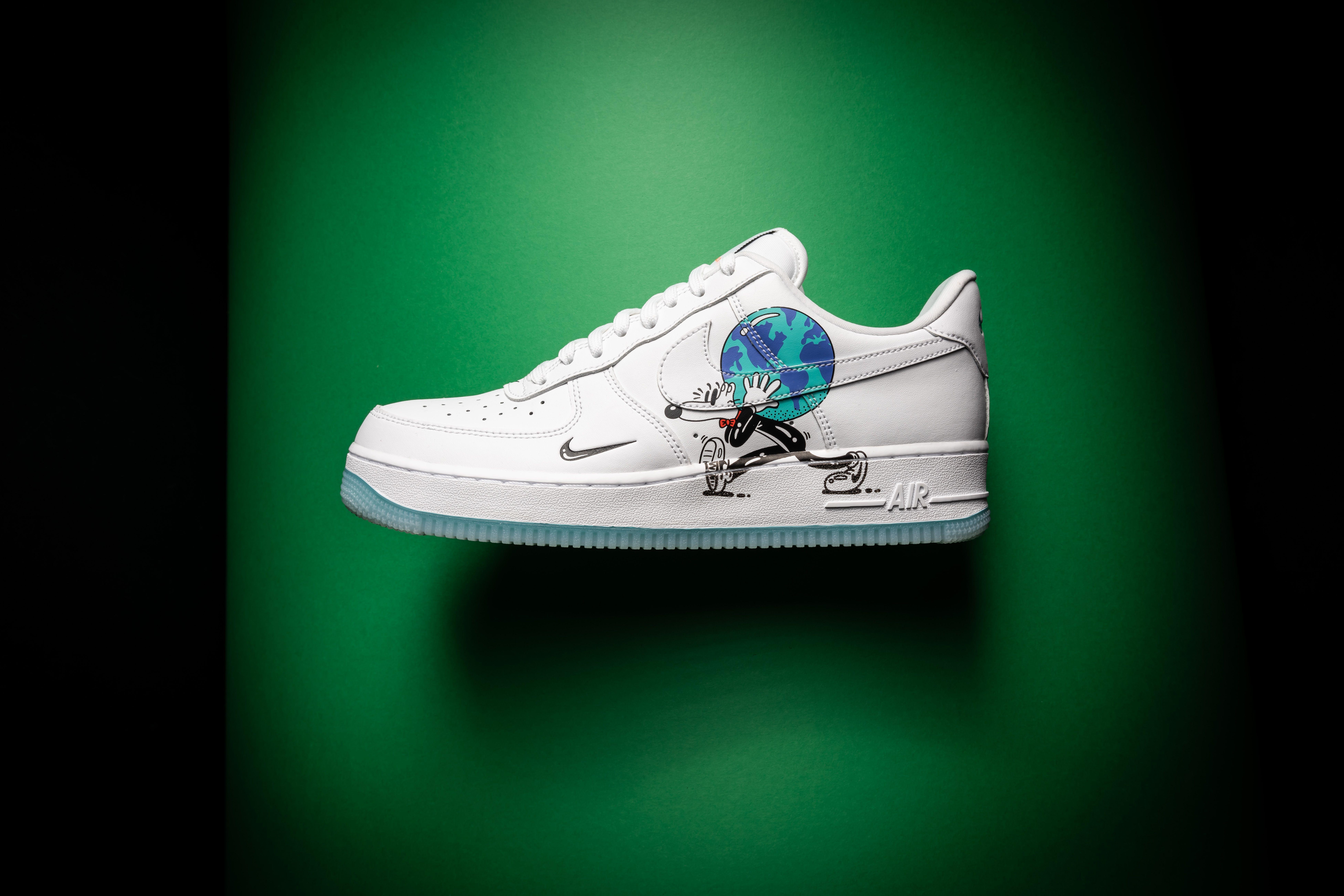 Nike Air Force 1 Flyleather Steve Harrington Earth Day Size