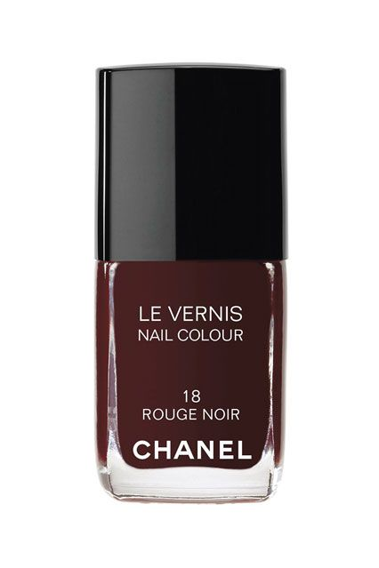 chanel rouge noir most beautiful dark red nail polish of. Black Bedroom Furniture Sets. Home Design Ideas