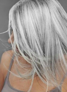 Platinum To Silver Reverse Ombre Grey Hair Looks Hair Styles Silver Hair