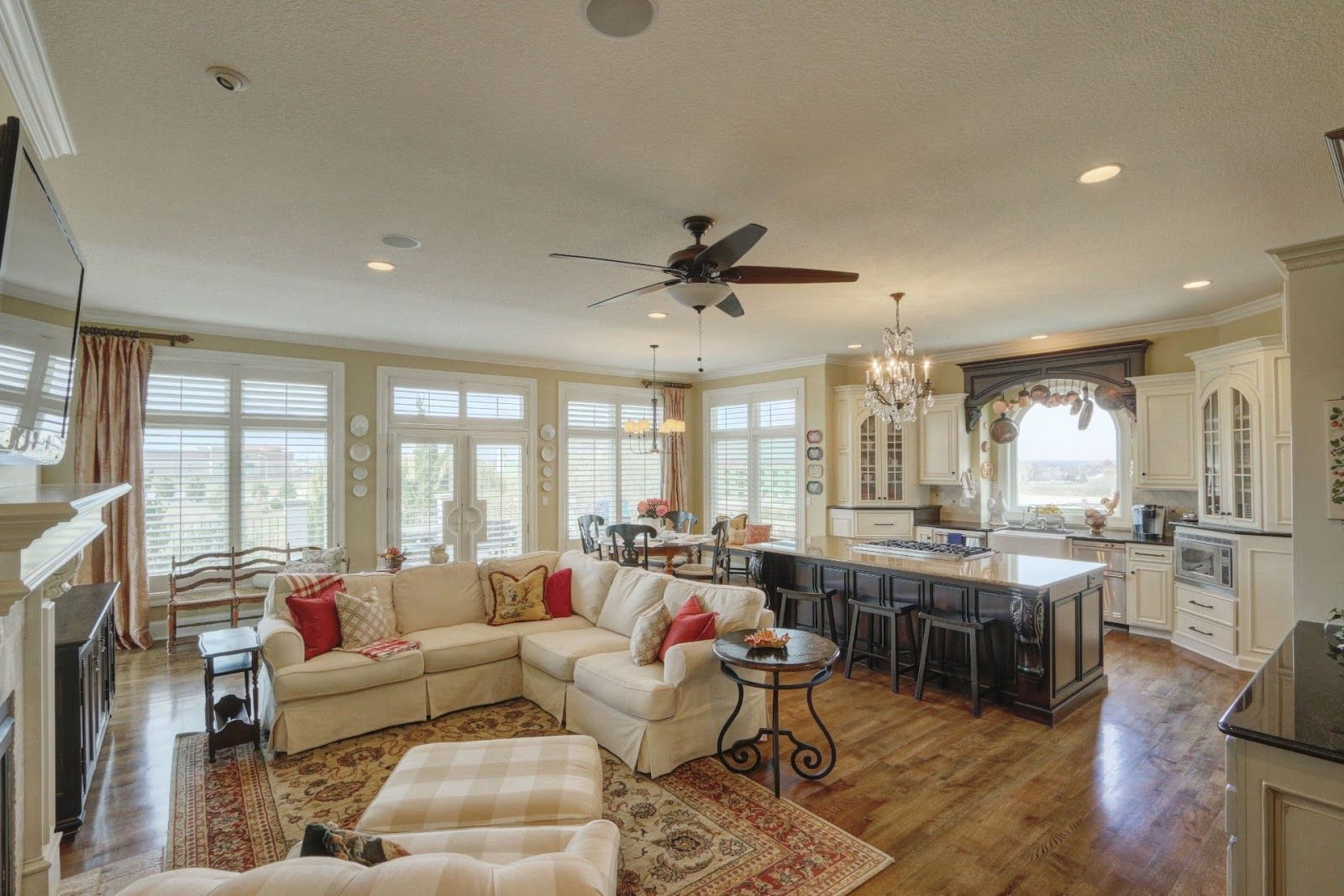 Beaux R Eves Selling The House Staging The Kitchen Hearth Room