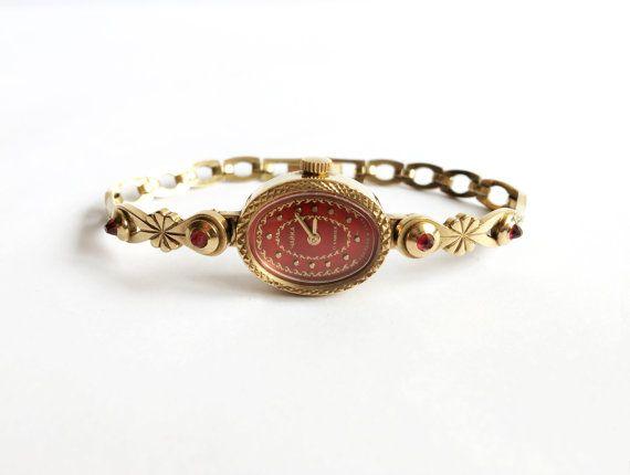 Gold watch, Soviet watch Russian watch Vintage Watch, enamelled watch,Womens watch, Mechanical watch, women's Chaika 17 jewels wrist watch