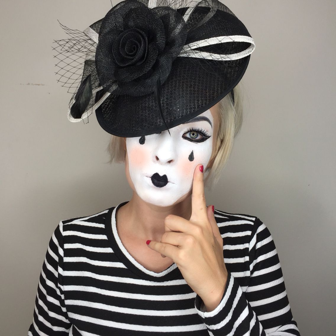 Cute Mime Makeup for Halloween. Simple and easy to put ...