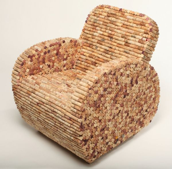 basteln mit korken einen sessel gestalten beige hintergrund alt mach neu pinterest korken. Black Bedroom Furniture Sets. Home Design Ideas