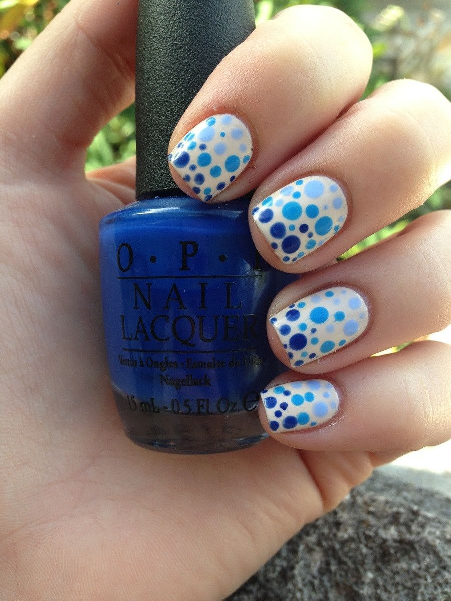Oh I love this!! 3 shades of blue, simple dots, but too