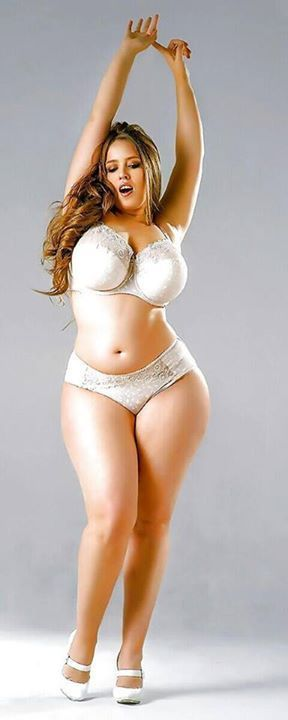 thick-gorgeous-white-girl-fucking-burma-pornstar-nude