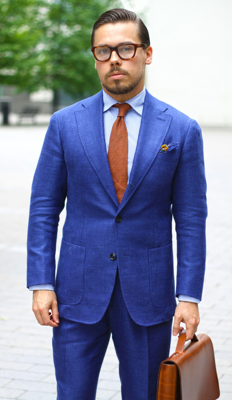 Blue Suit and Orange Tie Color Combination in 2020