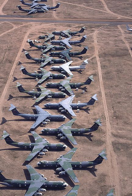 C 141 Starlifters At Davis Monthan Afb Boneyard With Images Us