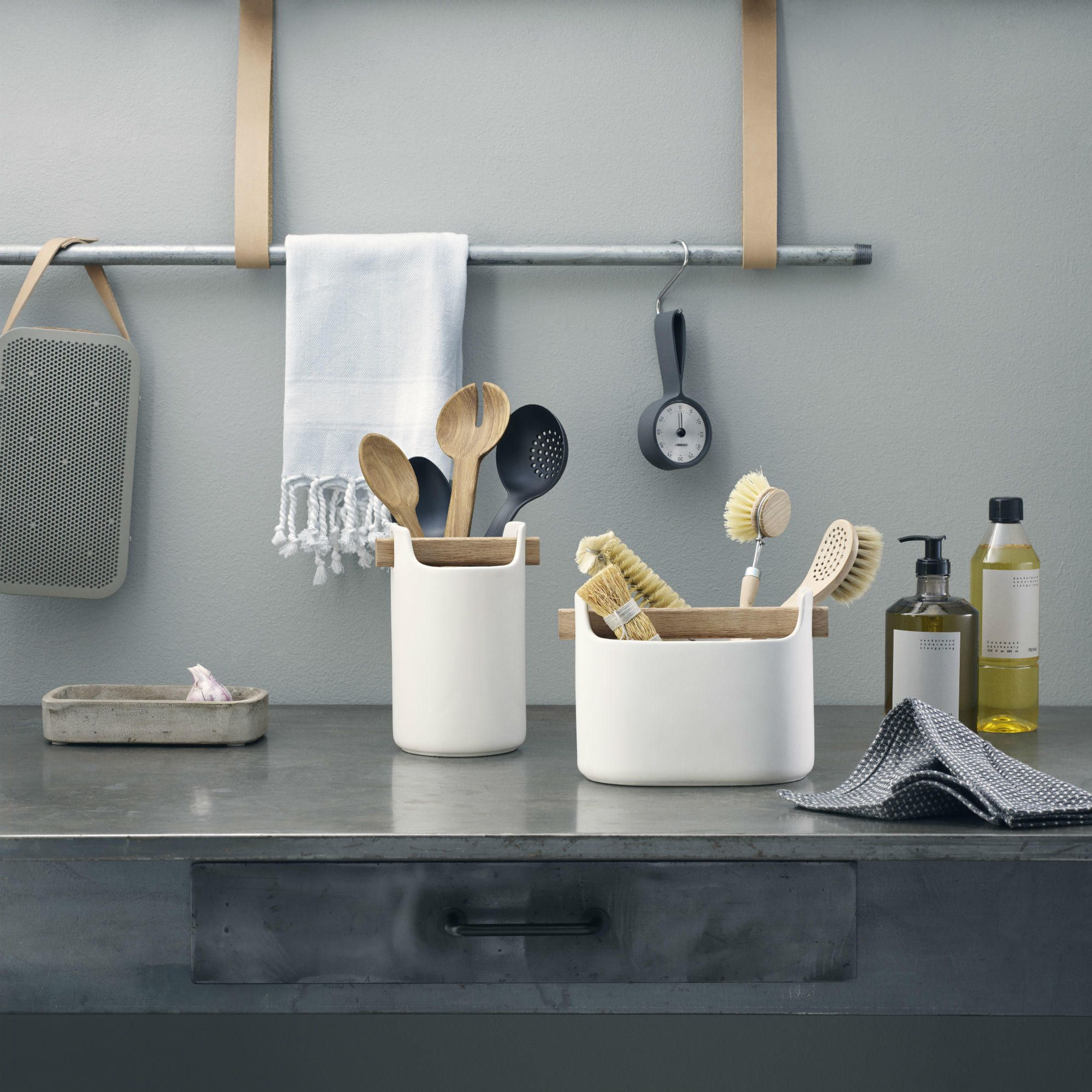 With the toolbox organizer itus easy to keep your kitchen worktop
