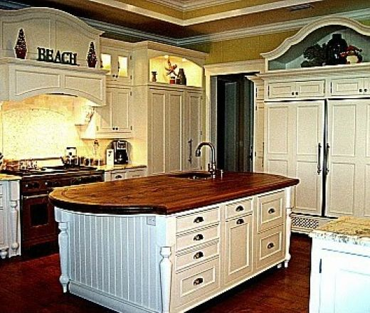 Pale Yellow Country Kitchen: Houzz Hamptons In The Country Kitchens
