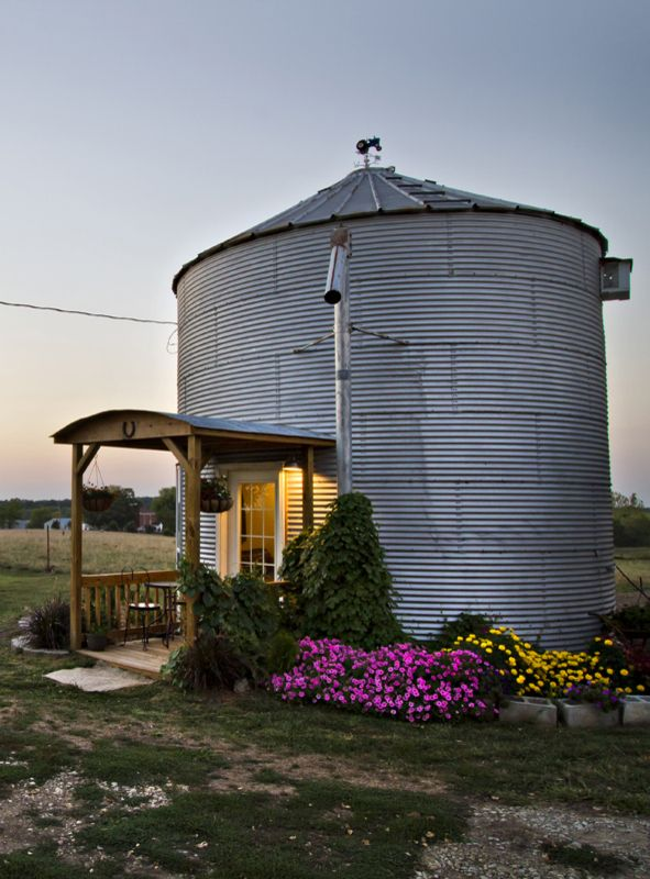 15 Grain Bin House As Anti Mainstream Living Space Design Grain Bin House Silo House Grain Silo