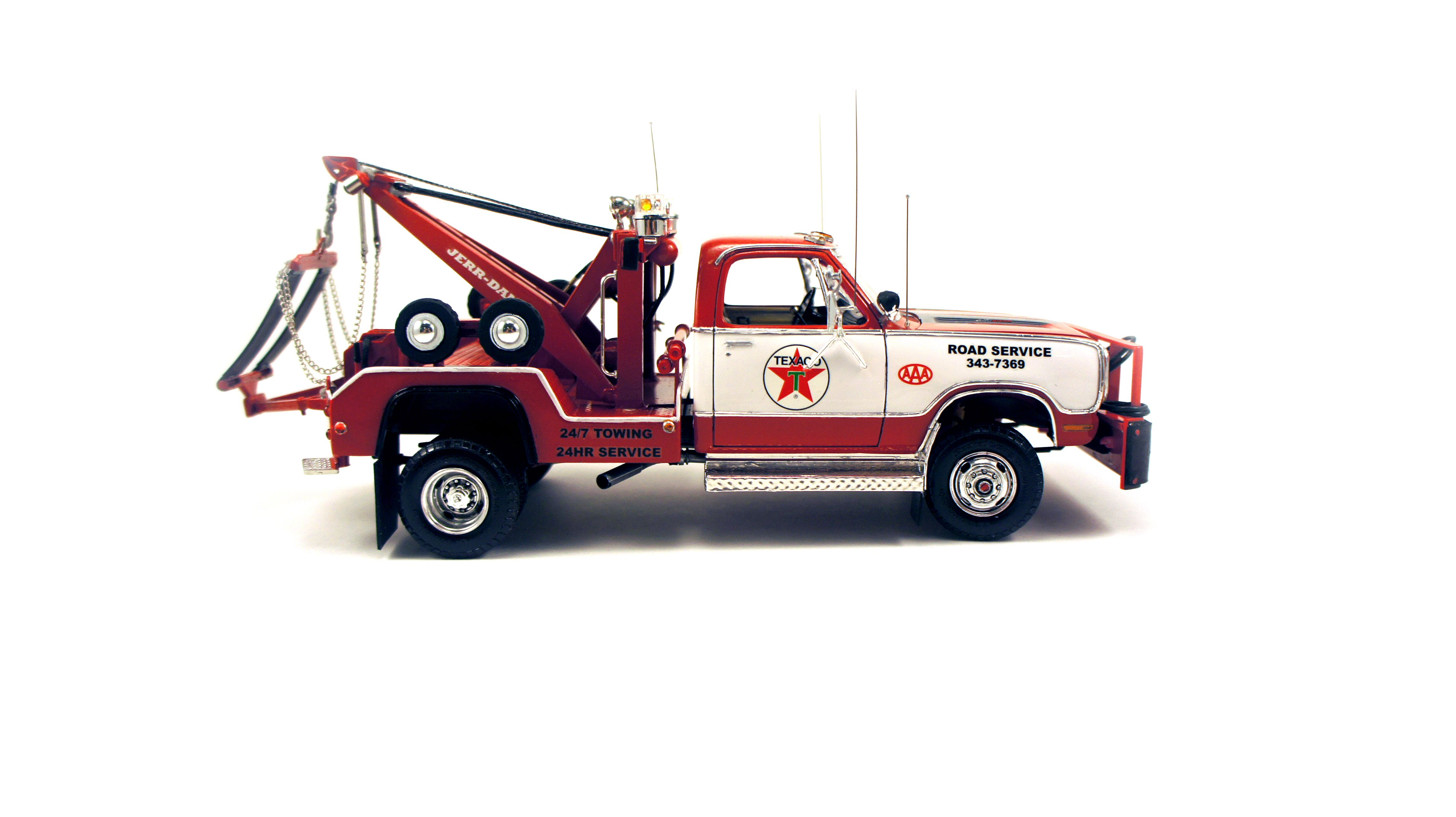 Tow Truck Model Kit With Images Plastic Model Cars Trucks