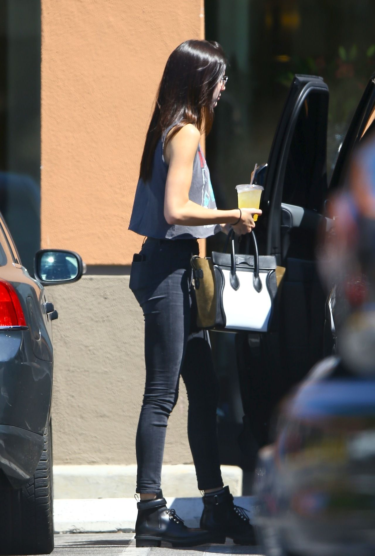 kxrdashjenner:  August 26: Kendall out and about in Los Angeles.