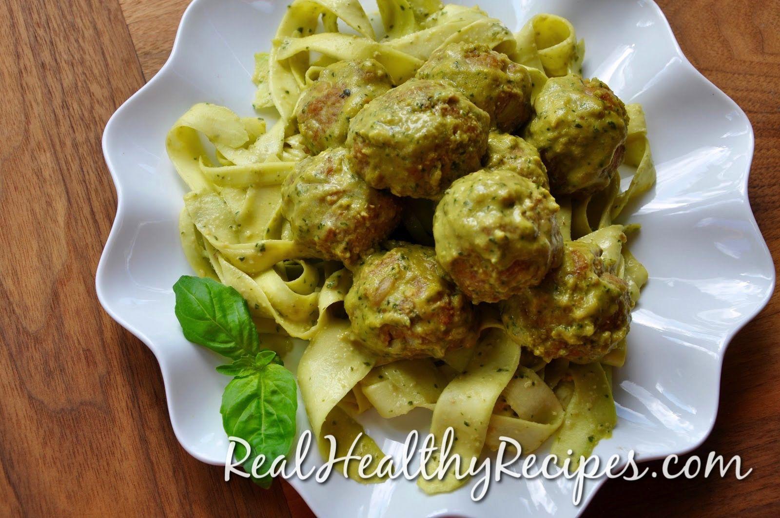 best paleo recipe for creamy, pesto, zucchini noodles, zoodles, grain free, dairy free