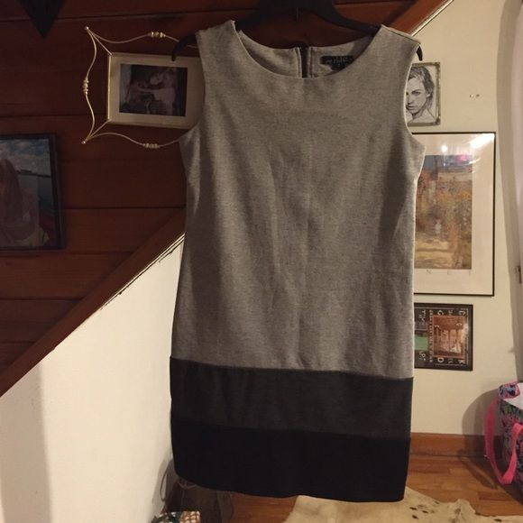 Sheath Dress Grey and black sheath dress. Adorable and so comfortable. NO FLAWS! Worn once. Dresses