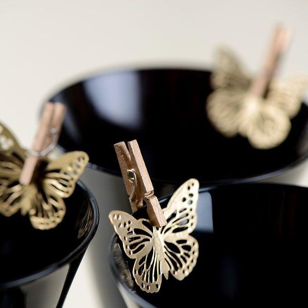Verspielter Schmetterlingsanhänger als hübsches Dekoelement für die Hochzeit