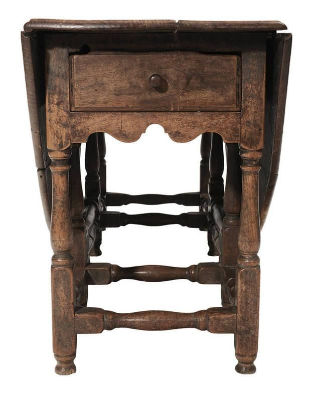 Walnut Gate-Leg Table attributed to Northern Virginia, early century,  figured walnut top and frame, yellow pine secondary, single side-hung  dovetailed - Extremely Rare William And Mary Piece ($161,200 At Brunk Auctions
