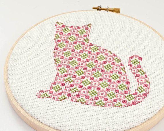 Cute cat cross stitch, a geat mix between classic and modern