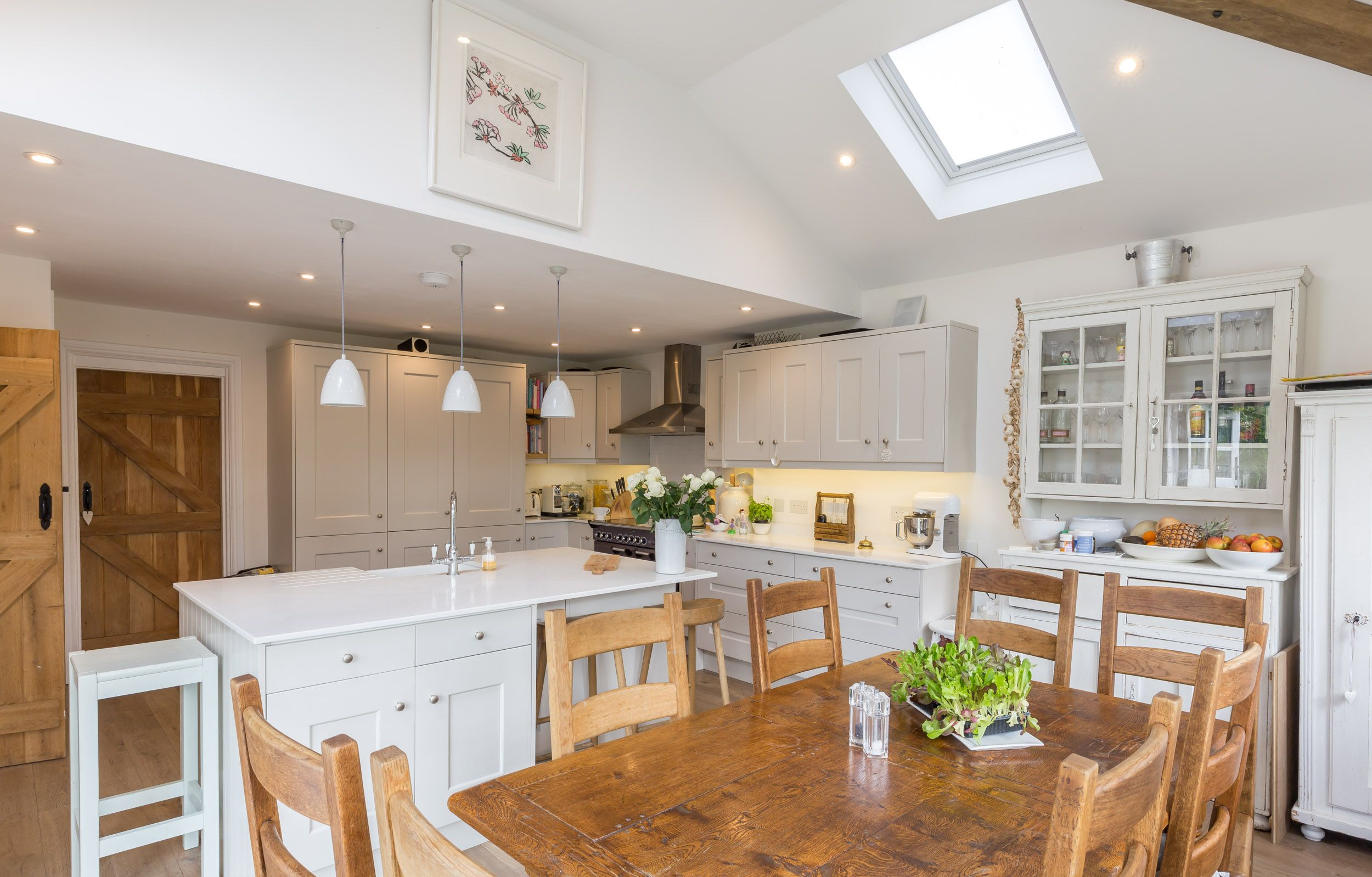 Kitchen With Vaulted Ceilings Shaker Style Kitchen Vaulted Ceiling Velux Rooflight