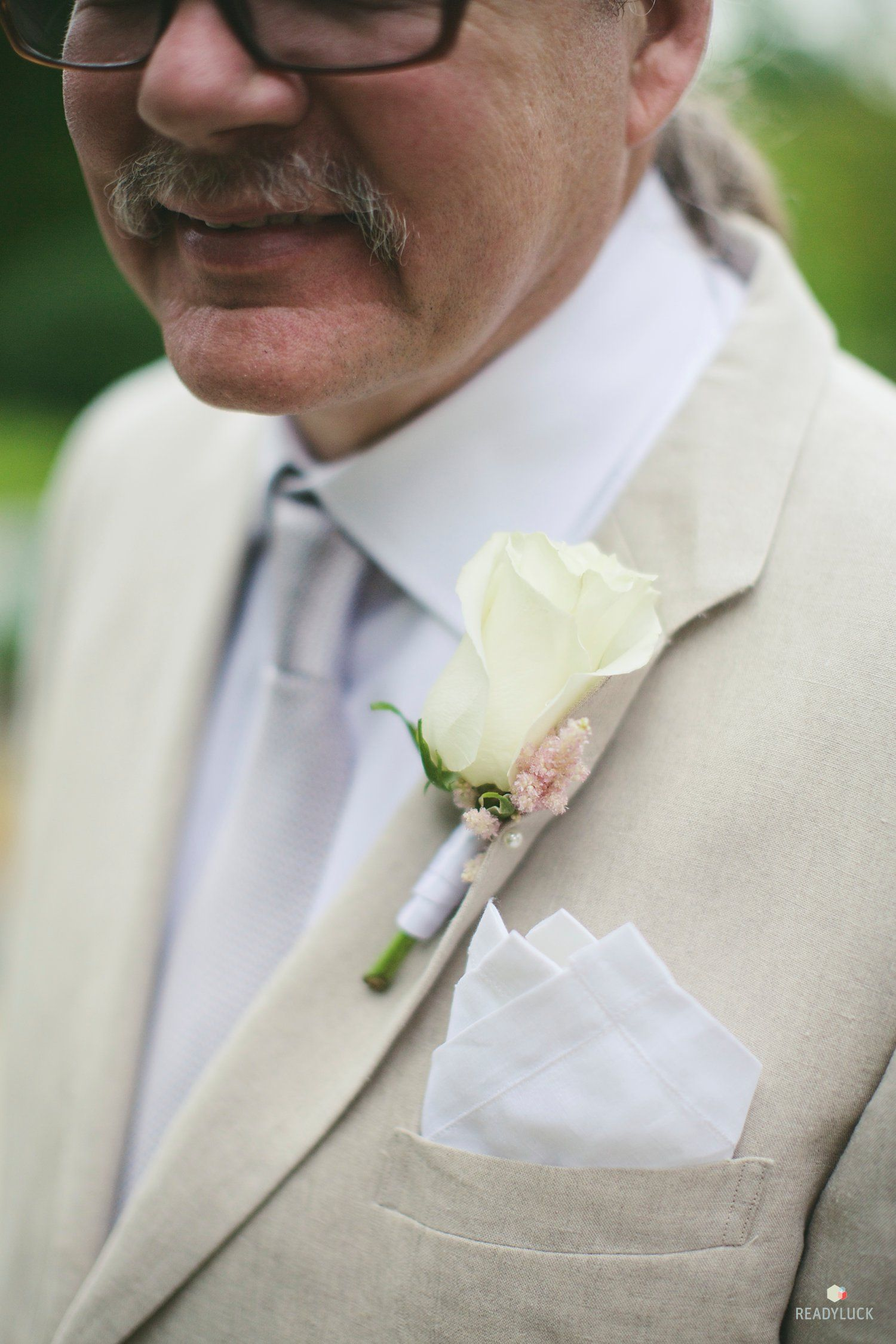 DAD. Father of the Bride. Linen Suit. Photographed by © Lindsay Hite ...