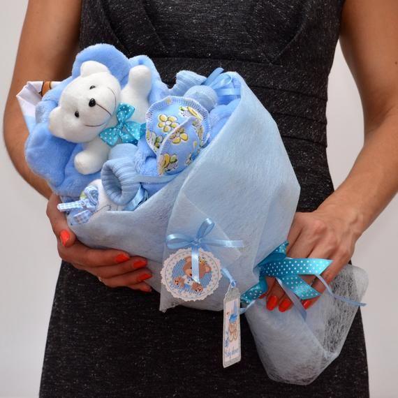 Eine erstaunliche Baby-Dusche-Geschenk. Alle Komponenten des Straußes können Sie auf dem Foto sehen. Handarbeit mit viel Liebe und Sorgfalt! Es gibt ähnliche Blumensträuße in einer anderen Farbe. Nur die hochwertigsten Materialien verwendet werden. Neugeborenen wunderbares Geschenk. Garantiert 100 %