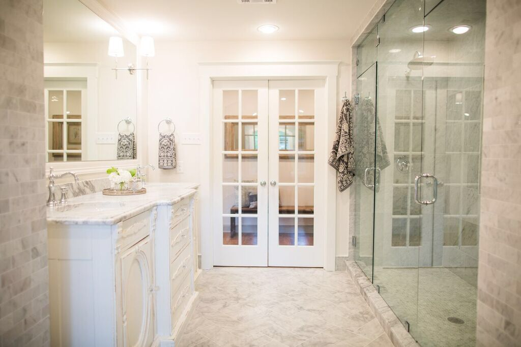Fixer Upper Season 3 House in the Woods. Bathroom | For the Home ...