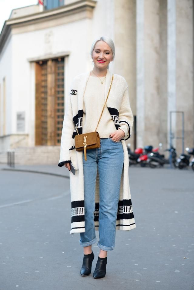 Paris Street Style: Relaxed Wide-Leg Jeans | Coats, Winter fashion ...