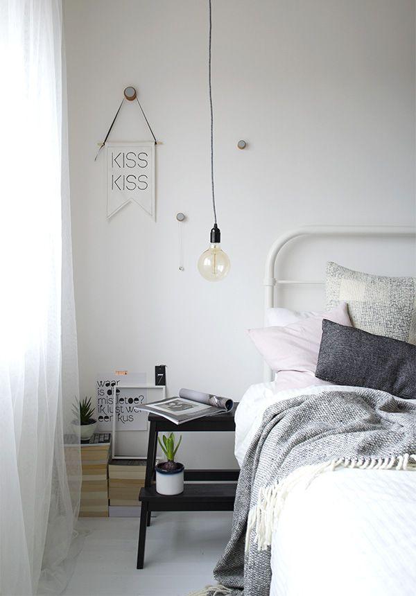 Urban jungle bloggers cosy green bedroom lampe de chevet chambres et ampoule