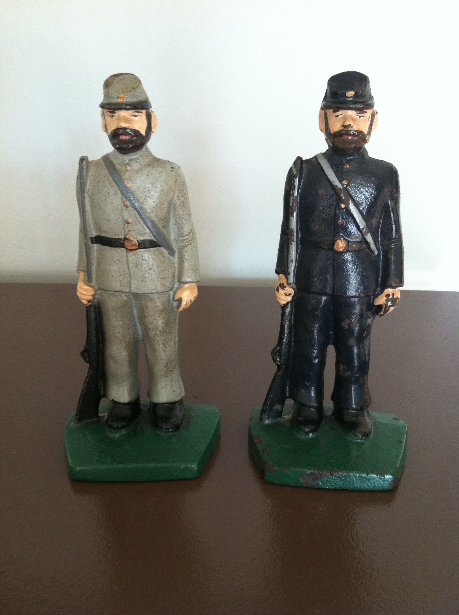 Pair Of Vintage Cast Iron Civil War Figurines The Union And Confederate Soldiers Are Hand Painted Heavy Conversation Piece Confederate Soldiers Vintage House