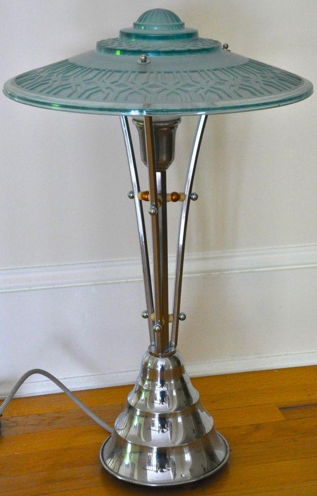 1930s Art Deco Machine Age Table Lamp Stunning Design Art Deco