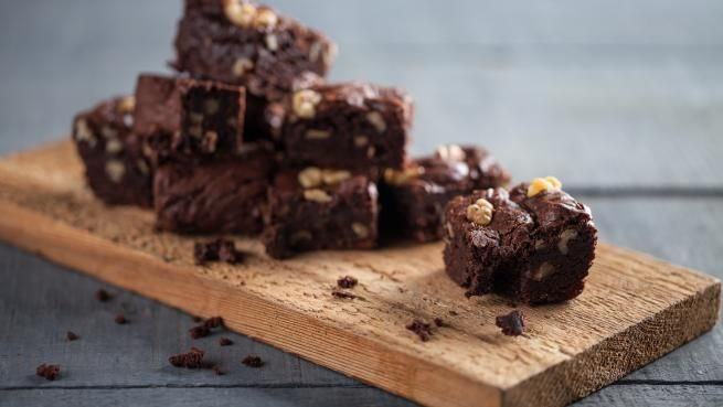 Brownies Choco Chocolat D Isabelle Racicot Recettes Signe M Gluten Free Chocolate Brownies Chocolate Brownie Recipe Oatmeal Fudge Bars