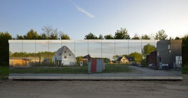 Flachdachhaus Eingeschossig Spiegelnde Glas Fassade Bv Grossberndt
