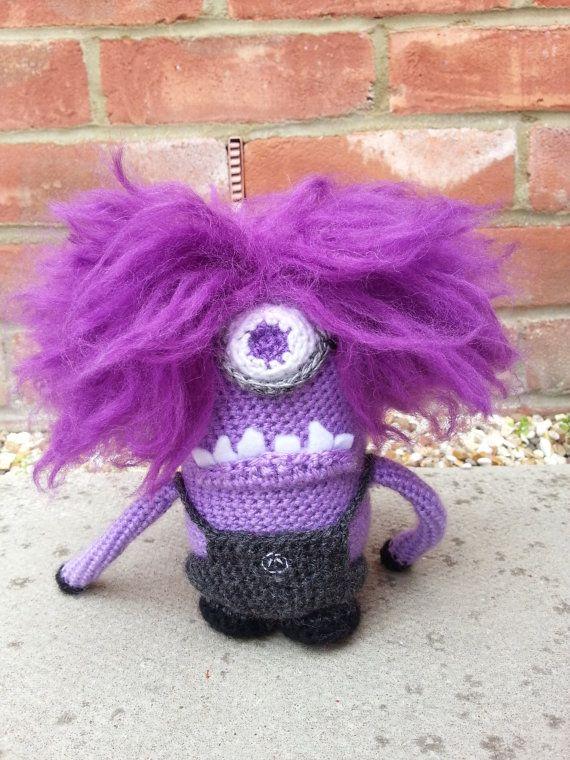 Artículos similares a Evil Minion púrpura Amigurumi Crochet Patrón ...