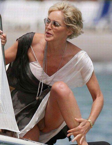 Sharon stone descuidos famosas bloopers celebs for En la calle sin ropa interior