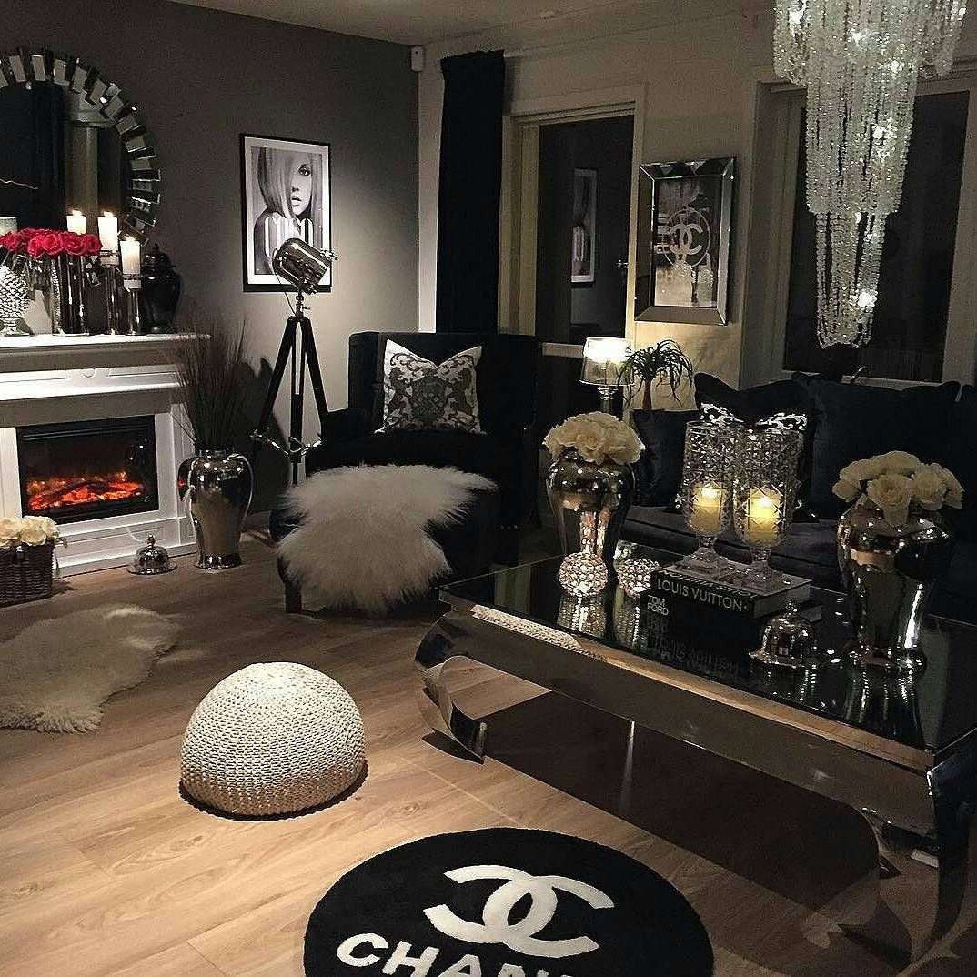927 Likes 8 Comments Classic Living Classicliving On Instagram Sa Stilfullt M Silver Living Room Black Living Room Decor Black And Silver Living Room Black silver living room ideas