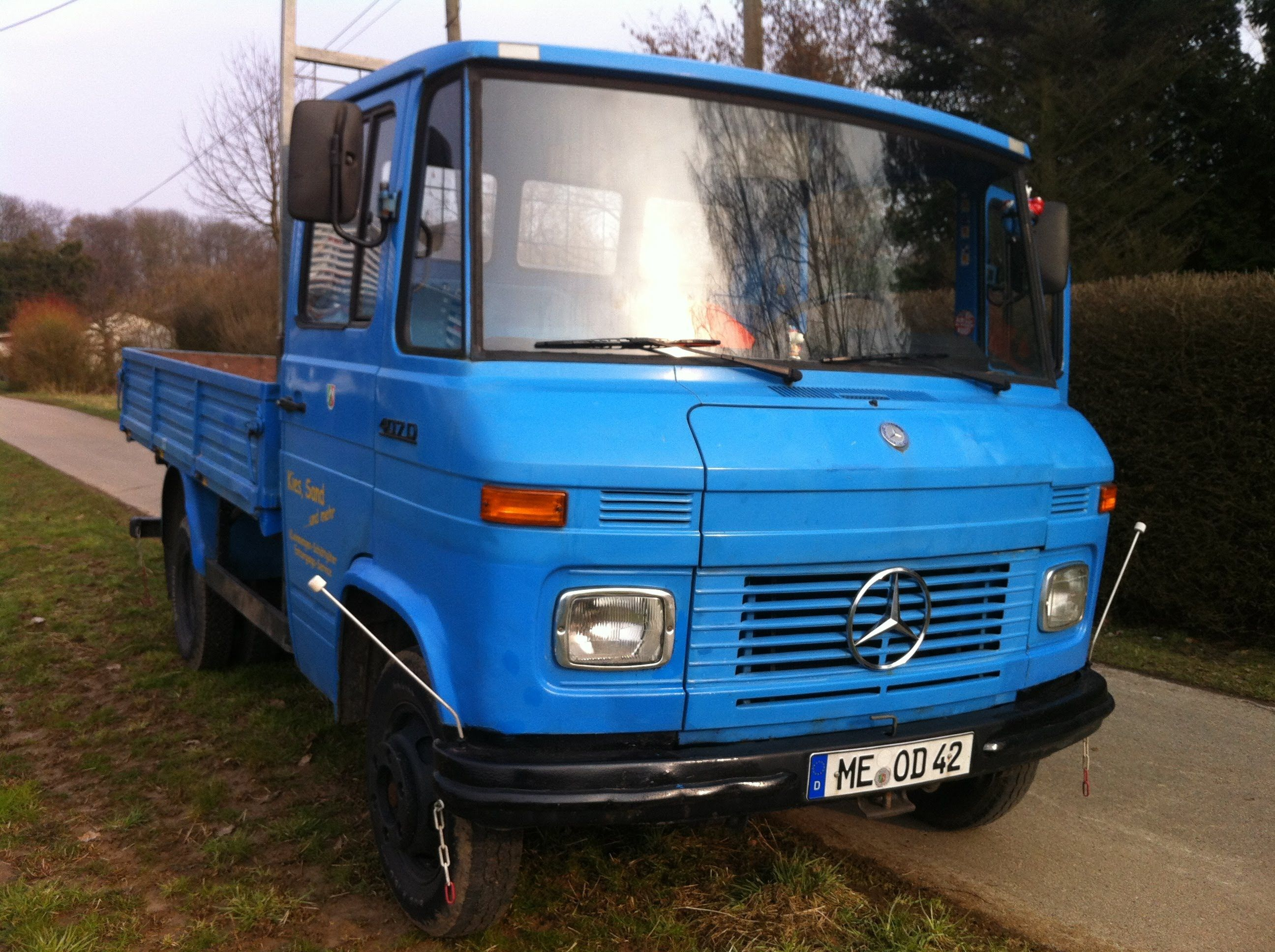 Mercedes Benz 407d Automatic Old Truck Walkaround And Drive Cab