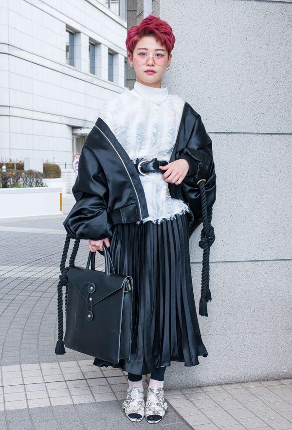 【キャンパス・パパラッチ DAILY】 個性的なデザインのMA-1がお気に入り、あちゃさん -文化服装学院入学式2017- http://soen.tokyo/paparazzi/daily/daily388/