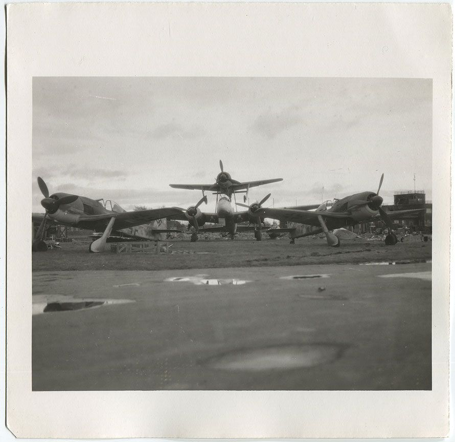 WWII US Foto LEIPZIG-Mockau Fliegerhorst Focke Wulf Fw-190 Ju-88 Mistel 1945 | eBay