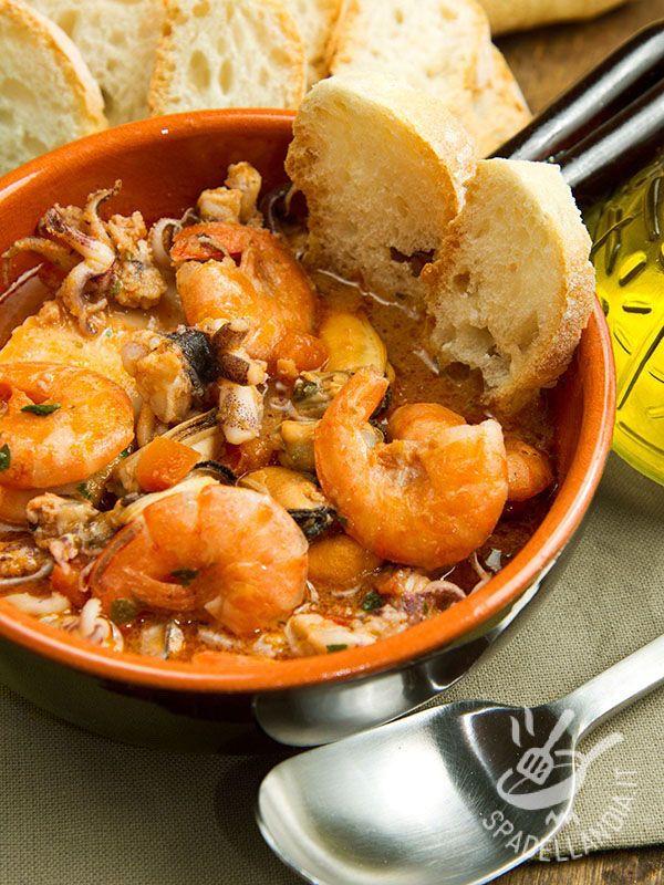 Zuppa Di Mare Senza Spine Recipe Pesce Zuppa Di Pesce Ricette