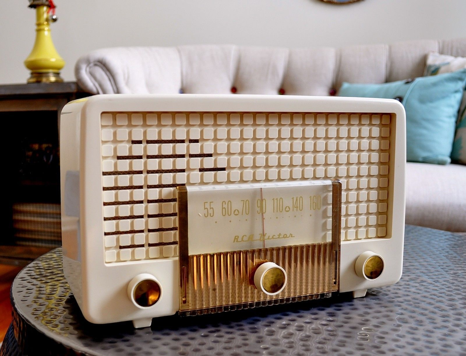 Can online radio win in the age of the semantic web