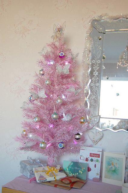 pink christmas tree Christmas Pinterest Christmas trees, Pink