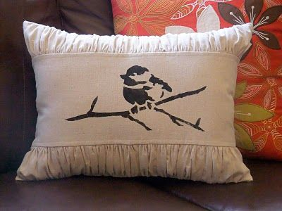 Easy stenciling on fabric stencils pinterest kussens doe