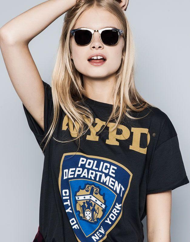 1af77c59d CAMISETA PRINT - AUSGEWASCHENES SCHWARZ Pull & Bear, Ny Fashion, Blouson,  Shirts For