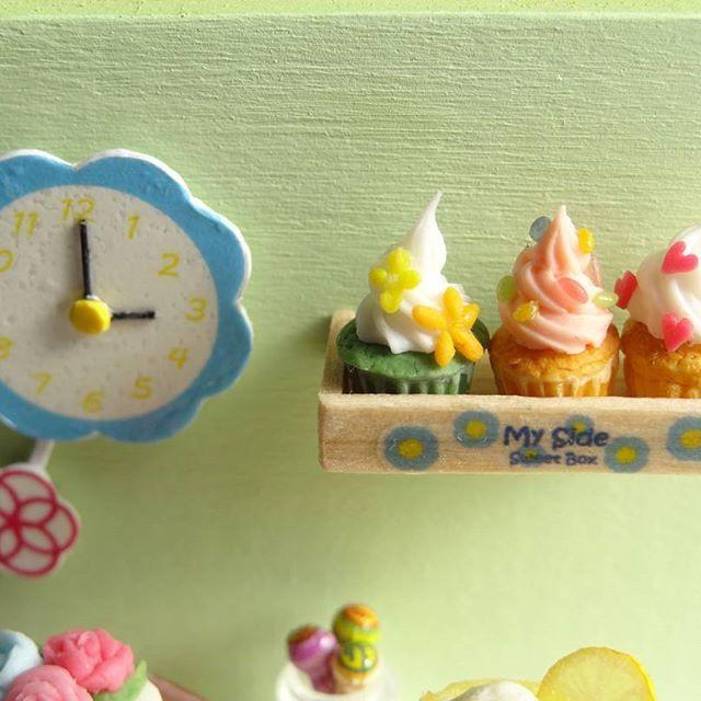 カップケーキ3姉妹 風間三姉妹とは無関係です。 #ミニチュア#miniature#カップケーキ#cupcakes#ハンドメイド#fakefood#ドールハウス#dollhouse