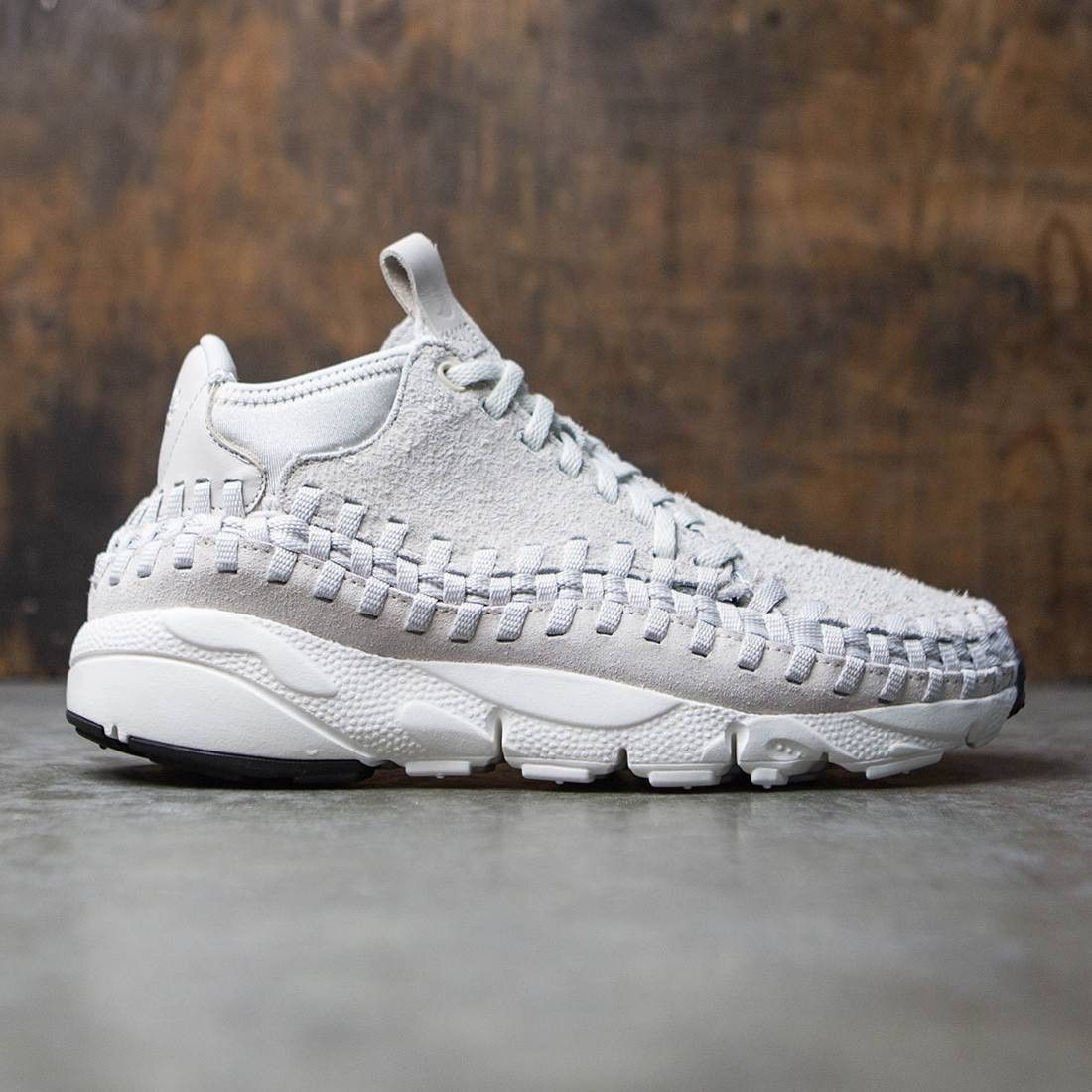 light bonesummit white) is part of Nike - The Nike Air Footscape Woven Chukka QS Men's Shoe features a midcut design with a striking woven upper and deep flex grooves for a premium look and natural movement Combination upper for a premium feelPhylon midsol