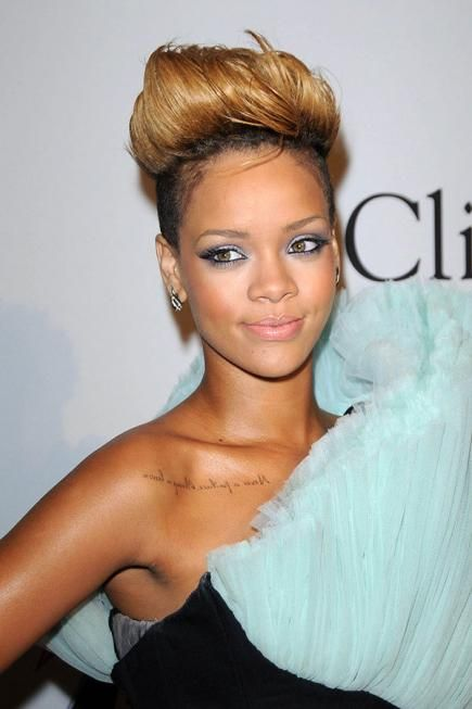 The Best HeadTurning Rihanna Hairstyles Rihanna Hairstyles - Undercut hairstyle set