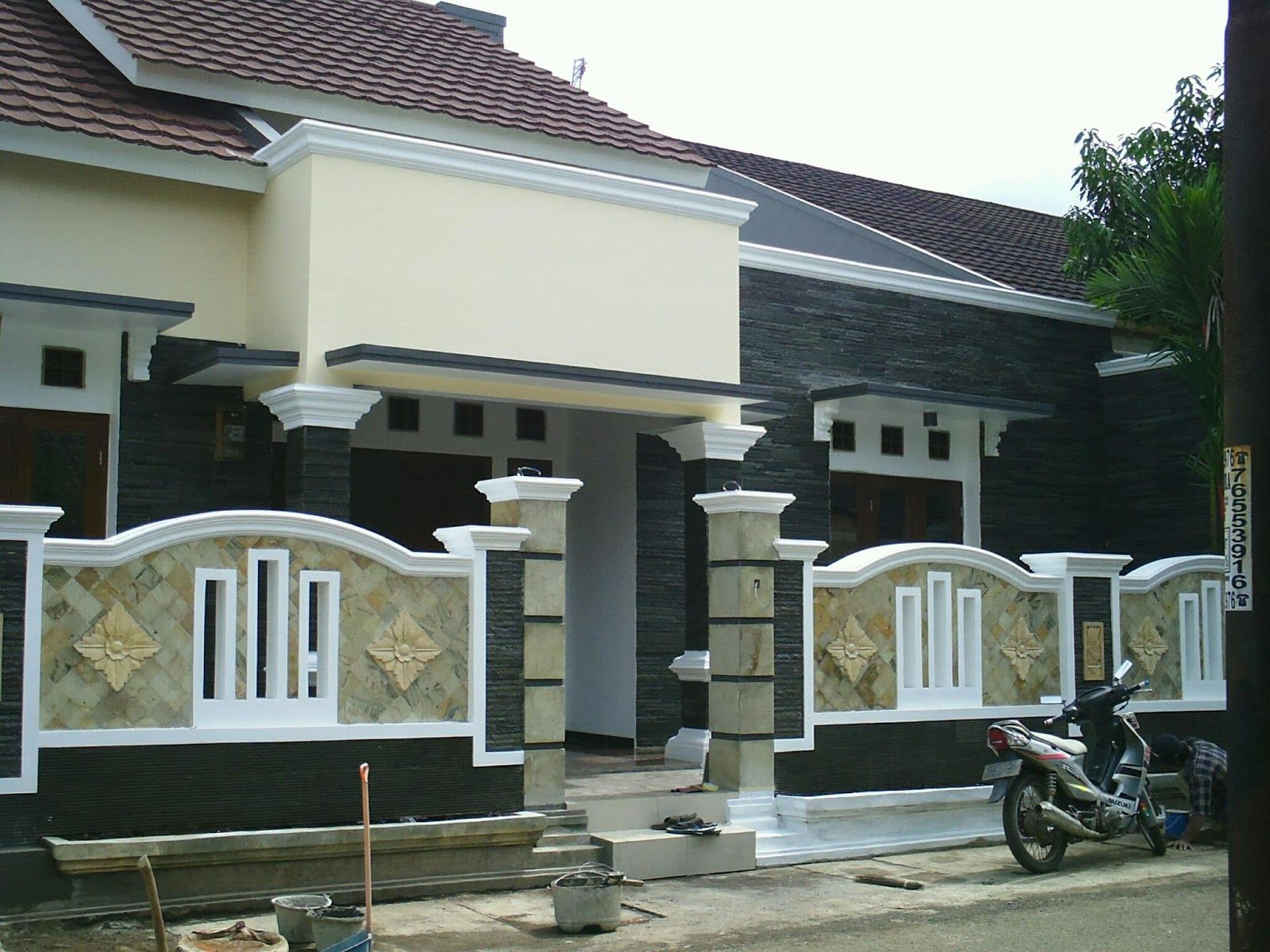 Desain Pagar Depan Rumah Pagar Pinterest Fences Walls And