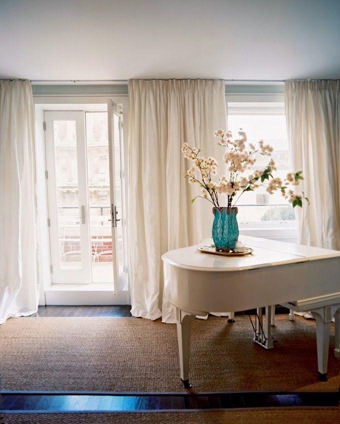 Untitled   Soggiorno blu, Sala da pranzo blu, Salotti bianchi